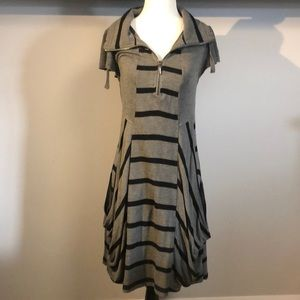 🐡 2/$20 Kensie black and gray striped tunic dress